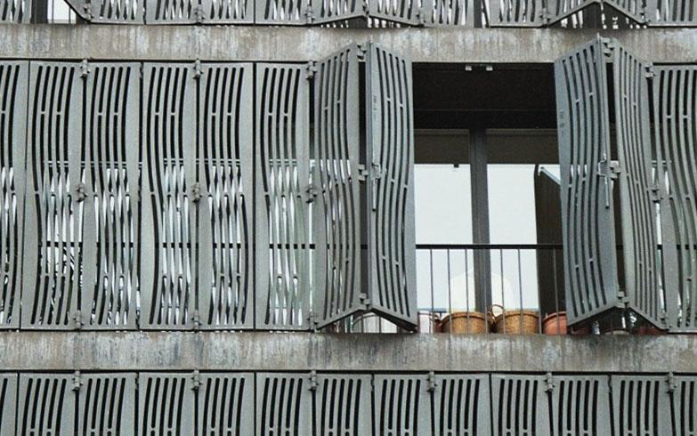 Undulating Exterior Grating By Herzog Amp De Meuron 184