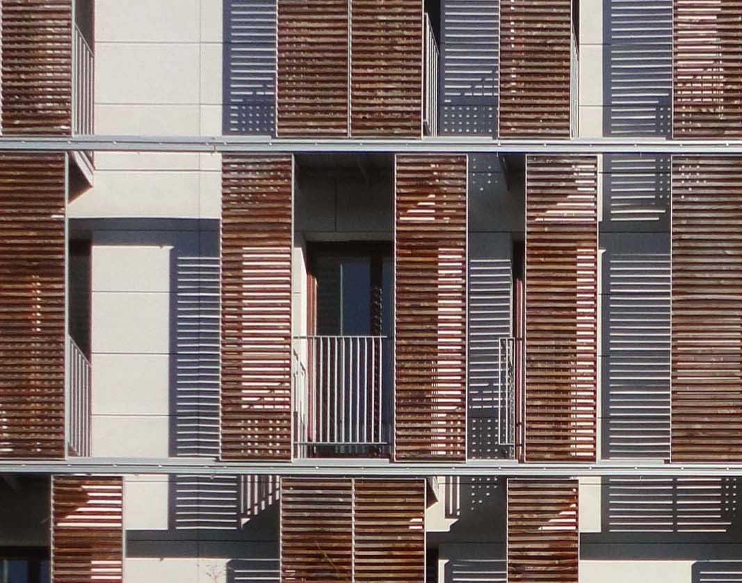 Wooden Louvered Shutters On Sliding Guides In 22 171 Filt3rs