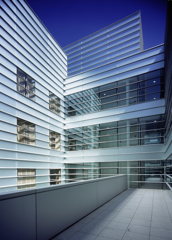 Transparent Solar Panels >> Horizontal pattern façade in Gregorio Marañón hospital ...