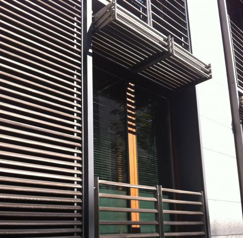 berlin vertical folding sliding louvered shutter  220
