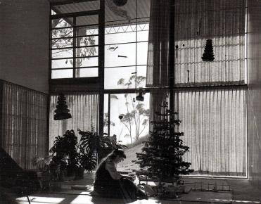 Link: The fragmented Eames House [573]