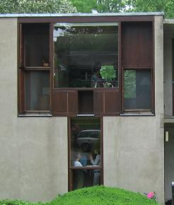 Fragmented windows in Esherick House [031]