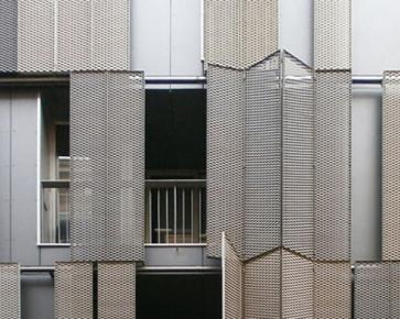 Link: Deployé folding-sliding shutters on southwest façade [283]