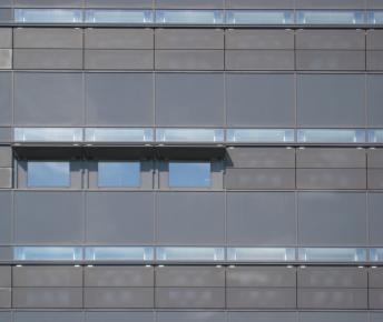 Link: Segmented window & shutter-visor [085]